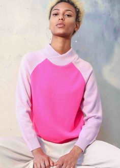 Inspired by the wrapping sculpture formations of Brazilian artist Ascanio MMM. The Suz cashmere two tone sweater has simple yet interesting design features.  Made from 100% cashmere, it's made to a slim silhouette with raglan sleeves that lead to bracelet sleeve cuffs. The neck is super soft doubled over ribbed knit, almost in the shape of a mandarin collar however it delicately wraps over on the front forming closely around the neck for a luxurious feel. Mandarin Collar, Cashmere Sweaters, Wrapping, Cuffs, Cool Designs, Ss, Wraps, Silhouette, Sculpture