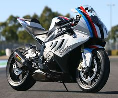 s1000rr_gallery_04_large_4_3