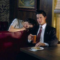 Audrey Horne (Sherilyn Fenn) & FBI Agent Dale Cooper (Kyle MacLachlan) - Twin Peaks