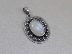 Kamień księżycowy i srebro - wisior kwiat - ChileArt