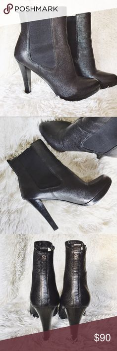 Michael Kors Leather Boots Very gently worn Michael Kors leather boots size 8.5 leather in beautiful condition with no scratches or scuffs. Heel in great condition as well. 🎀MAKE ME AN OFFER🎀 Michael Kors Shoes Ankle Boots & Booties