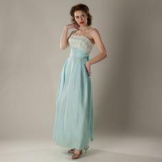 Vintage Strapless Wedding Dress Tiffany by unionmadebride, Prom Dresses Blue, Strapless Dress Formal, Formal Dresses, Wedding Dresses, Ceremony Dresses, Pretty Dresses, Vintage Bridal, Bridal Lace, Bridal Style