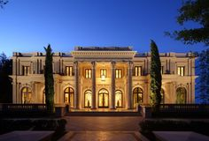 Gatsby Style Mansions