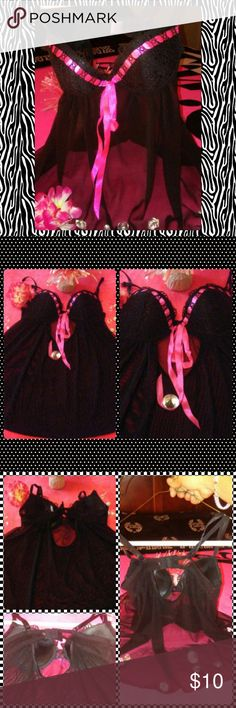 Sexy top lingerie(32B) This is a sexy or cute lingerie size 32B i only used 1 for a bridal shower that my friend had she made all her friends wear pretty sexy lingerie ?? so i bought this one look at the last pic showing u a tiny rip it rip when i was putting on that's the only thing everything else is in excellent condition i try to post as much pic i can if u need more just lmk(ALSO U MUST HAVE A RATING HISTORY TO PURCHASE 5-15 OR MORE IF U DON'T HAVE ANY RATING HISTORY PLEASE BE AWARE OF…