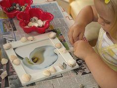 How to make a sea shell photo frame - Gift Idea for mom Wilkinson Ocean Theme Crafts, Ocean Themes, Seashell Crafts, Beach Crafts, Seashell Art, Toddler Fun, Toddler Activities, Preschool Ideas, Craft Ideas