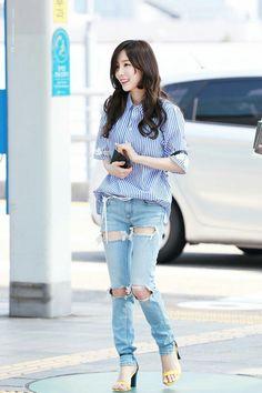 Photo album containing 22 pictures of Taeyeon Taeyeon Fashion, Snsd Airport Fashion, Kpop Fashion, Womens Fashion, Korean Fashion Work, Asian Fashion, Yoona, Moda Kpop, Summer Outfits