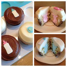 Gender reveal cupcakes by Sprinkles Cupcakes Sprinkle Cupcakes, Filled Cupcakes, Girl Cupcakes, Baking Cupcakes, Sprinkle Shower, Sprinkle Party, Baby Sprinkle, Tea Party Baby Shower, Baby Shower Cupcakes