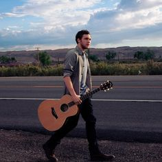 Phillip Phillips <3 his new cd Man on the side of the moon!