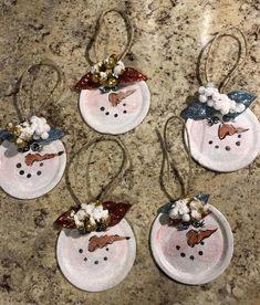 Christmas Craft Fair, Handmade Christmas Decorations, Christmas Ornament Crafts, Snowman Ornaments, Holiday Ornaments, Holiday Crafts, Christmas Ideas, Mason Jar Christmas Gifts, Dough Ornaments