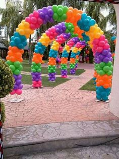 so beautiful multicolor balloon arches! Rainbow Party Decorations, Birthday Balloon Decorations, Birthday Balloons, Rainbow Balloons, Rainbow Theme, Trolls Birthday Party, 1st Birthday Parties, Deco Ballon, Balloons Galore