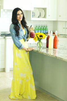 Fresh Flavored Lemonade Pink Peonies styled a maxi dress and a denim shirt to make a summer look! Modest Dresses, Modest Outfits, Modest Fashion, Summer Outfits, Cute Outfits, Maxi Dresses, Dresses 2013, Dress Skirt, Dress Up