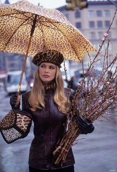 mudwerks:  Claudia Schiffer Vogue July 1992   Arthur Elgort