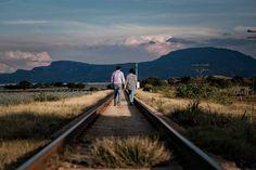 """2 Me gusta, 0 comentarios - Gil Garza (@tresvecesgad) en Instagram: """"De la mano por el camino #tresvecesg #fotografiadeboda #sesioncasual #preboda #fotografodebodas…"""" Casual Engagement Photos, Railroad Tracks, Instagram, Drive Way, Train Tracks"""