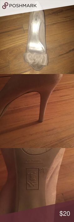Nude Bow Peep Toe Heels Gorgeous nude peep toe heels with cute bow accent! Worn once! Size 9 1/2 FIONI Clothing Shoes Heels