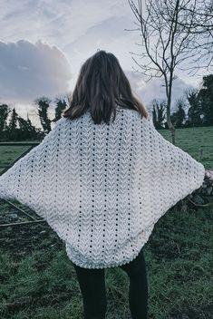 Ravelry: Cozy Cocoon Shrug Cardigan pattern by Carrie M Chambers Crochet Cocoon Pattern, Crochet Dog Sweater Free Pattern, Crochet Shawl, Crochet Patterns, Crochet Sweaters, Free Crochet, Crochet Shrugs, Crochet Girls, Knitting Patterns