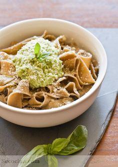 Pasta a las setas con pesto de aguacate - Receta - Secocina