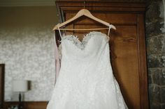 DETAIL - Pronovias beautiful wedding dress