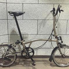 #brompton #bro #ブロンプトン #minivelo #ミニベロ #山本 #brompton山本 #ブロンプトン山本 #カスタム #customize #foldingbike #折りたた自転車 #折り畳み自転車 #自転車 #自行車 #h&h #titaniumcarrier #carrier