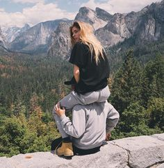 Imagen de couple, summer, and love best boy- hug - love -girlfriend- amazing- hair - just friends- perfect - cute - summerlove - perfect couple - house- selfie- girl - boy -picture -smile -friends