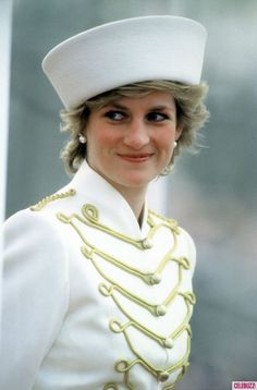 Princess Diana - the Sovereigns Parade , le 10 avril 1987  _  Suite
