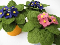 felt African violets on Etsy Felt Diy, Handmade Felt, Handmade Flowers, Diy Flowers, Felt Crafts, Fabric Flowers, Fabric Crafts, Paper Flowers, Diy Crafts