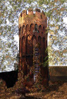 Rapunzel's Tower, Wales… http://www.vacationrentalpeople.com/vacation-rentals.aspx/World/Europe/UK/Wales