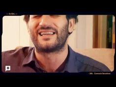 Hugo Arán, Anuario. Reportaje sobre el artista Hugo Arán, su día a día en el piso que comparte con dos entrañables gemelas