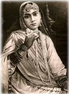 Wife of Maharaja Ranjit Singh and mother of Maharaja Daleep singh. She was put in Jail by British, separated from her young son, who was exiled to Britain. Vintage India, Rare Photos, Vintage Photos, Duleep Singh, Maharaja Ranjit Singh, Ancient Indian History, Royal Indian, Royal Monarchy, Indian Princess