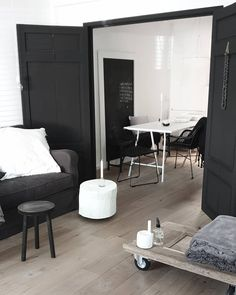 Black House, Oversized Mirror, Home And Garden, Lifestyle, Decoration, Happy, Wall, Inspiration, Furniture