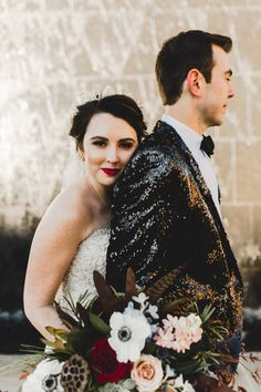 This gorgeous bride completed her glamorous look with an exquisite hand-me-down pearl crown | Image by Anna Duncan Photography