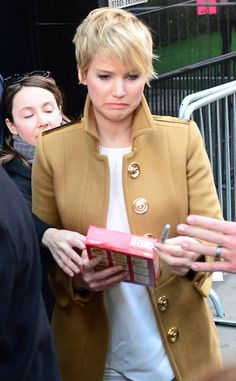 Oh gosh haha Jennifer Lawrence is so funny. Lol the look on her face is priceless! Dundee, Jeniffer Lawrance, J Law, Haha, Gale Hawthorne, Dane Dehaan, Dan Stevens, Catching Fire, Have A Laugh