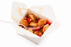Süße Idee zum Brunch: Mini-Pancakes mit Beeren und Ahornsirup| http://eatsmarter.de/rezepte/kleine-pancakes-mit-beeren-und-ahornsirup