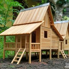 A traditional house originality from the state of Malacca, Malaysia. Fully handmade by using BAMBOO STICK (lidi sate. Custom Woodworking, Woodworking Projects Plans, Popsicle Stick Houses, Balsa Wood Models, Surf House, House Template, Bamboo House, Miniature Houses, Model Homes