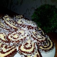 Keksztekercs   Linda receptje - Cookpad receptek Croatian Recipes, Dessert Recipes, Desserts, Pancakes, Breakfast, Food, Tailgate Desserts, Morning Coffee, Deserts
