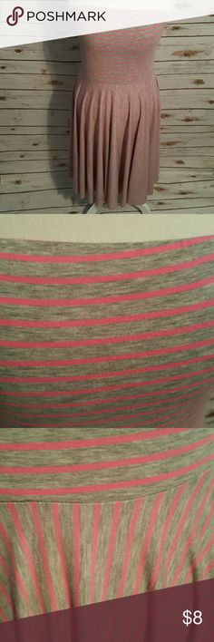 Maurices strapless summer striped dress Heather gray with hot pink stripes. Fitted bodice with flare from waist down. Super comofrtable and figure flattering. Will fit as medium or  large 34-38 bust. Maurices Dresses Midi