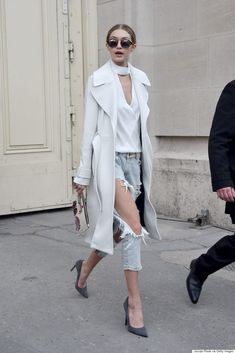 The models strutted down the catwalk with composed poise and posture at the Chanel presentation during Paris Haute Couture Fashion Week on Tuesday. Estilo Gigi Hadid, Gigi Hadid Style, Gigi Hadid Outfits, Look Fashion, Fashion Outfits, Fashion Trends, Jeans Fashion, Chanel Fashion, Paris Fashion