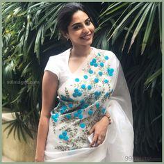 ideas for embroidery dress white beautiful Saree Embroidery Design, Hand Embroidery Dress, Saree Blouse Neck Designs, Saree Blouse Patterns, Elegant Saree, Fancy Sarees, Saree Styles, The Dress, Designer Dresses