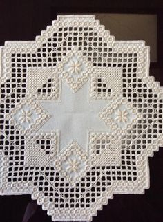 Hardanger Embroidery, Embroidery Stitches, Bargello, Needful Things, Handicraft, Needlepoint, Needlework, Diy And Crafts, Blanket