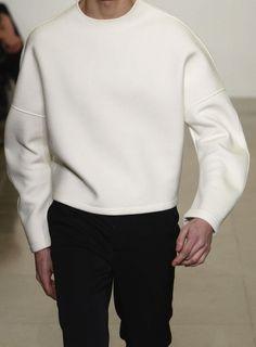 Jil Sander men's fall raf simons Love this molded sweatshirt Minimal Fashion, High Fashion, Mens Fashion, Fashion Trends, Neoprene Fashion, Fashion Designer, Inspiration Mode, Mens Fall, Estilo Retro