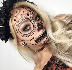 🌹Ꮲɪɴᴛᴇʀᴇsᴛ|@sɴᴇᴀᴋᴇʀ ʙᴀᴇ Trendy Halloween, Fete Halloween, Halloween Looks, Halloween Outfits, Movie Makeup, Fx Makeup, Halloween Makeup Witch, Face Paint Makeup, Fantasias Halloween