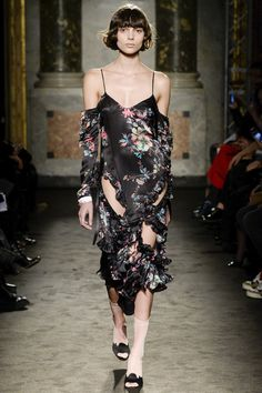 Francesco Scognamiglio Fall 2016 Ready-to-Wear Fashion Show