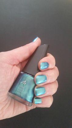 Heute möchte ich euch einen meiner Nagellacke vor stellen. Ich liebe diese Farbe, der Lack ist langanhaltend und sehr intensiv. Eigentlich reicht schon einmal , selten das ich 2 mal über den Nagel …