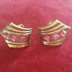 Vintage CORO goldtone pink stone clip earrings Vintage goldtone CORO goldtone clip earrings with pink stones.  Beautiful, classy, and chic. Excellent vintage condition Vintage Jewelry Earrings