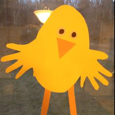 Simple construction paper chick toddler project