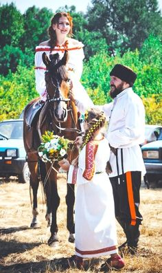 Cossack wedding in Russia. Russian Style, Russian Folk, Russian Fashion, Wladimir Putin, Russian Wedding, Old And New, Wedding Inspiration, Culture