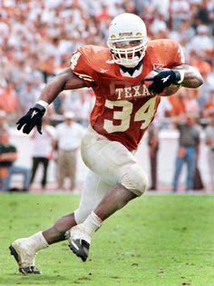 Compare prices on Ricky Williams Longhorns Autographs and other Texas Longhorns fan gear. Save money on Longhorns Ricky Williams Autographs by viewing results from top retailers. University Of Texas Football, Ut Football, Texas Longhorns Football, College Football Players, Football Pictures, School Football, Football Stuff, Ut Longhorns, Football Stadiums