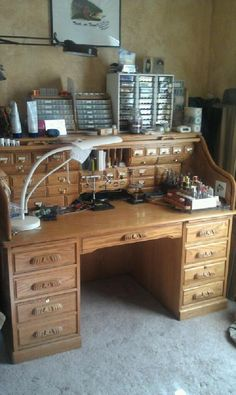 Fly tying bench - I could make a roll top desk look a lot better than this for a fly tying bench, though, especially if it had some storage up above that was also enclosed (drawers).
