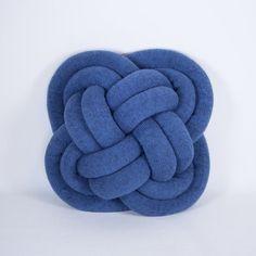 Les créatives se sont inspirées des coussins créés par l'islandaise Umemi    (152 euros)    source    source
