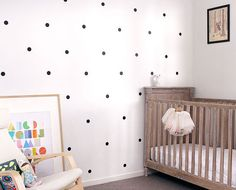 Love the look of wallpaper but dread the the mess, tricky application and damage to walls when removing it? Why not try our removable vinyl wall