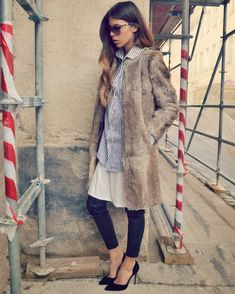 It's very rare that I do an entire post on a sole person, but Maja Wyh is an exception. Casual Street Style, Casual Chic, Chic Outfits, New Outfits, Fur Fashion, Winter Fashion, Pelo Cafe, Maja Why, Dress Over Pants